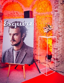 PROMOTION OF THE ESQUIRE WAREHOUSE
